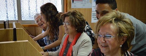 Formación solidaria para personas mayores